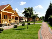 Ośrodek Wczasowy - Domki Wypoczynkowe - zdjęcie główne